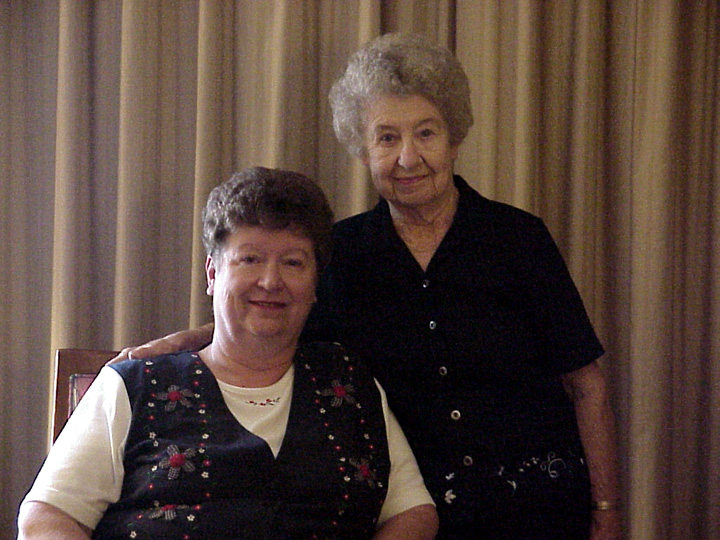 Dorothy Trumpold (right) with her daughter Rosalie Ochs, Arlington, Virginia, 2001, photograph by Alan Govenar