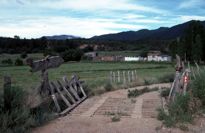 The road to Cleofes Vigil's home, San Cristobal, New Mexico, 1986, photograph by Alan Govenar