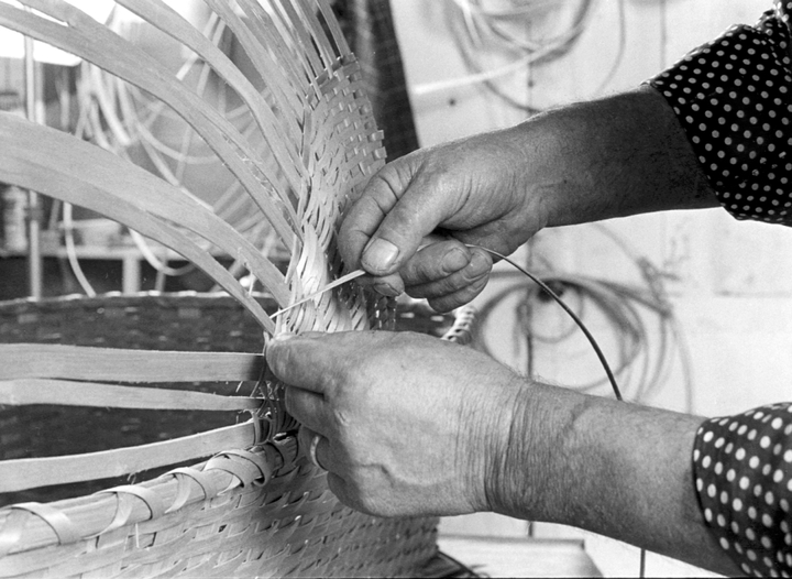 Newton Washburn working on a brown ash cradle, Bethlehem, New Hampshire, August 1981, photograph by Erik Borg, Courtesy Vermont Folklife Center