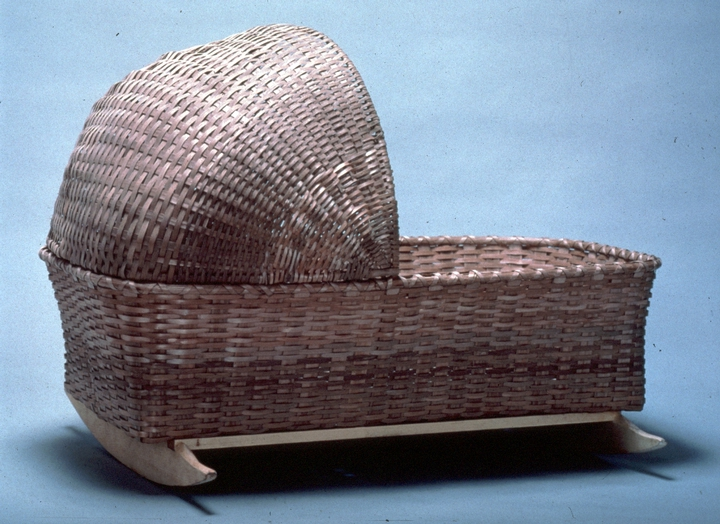 Brown ash cradle by Newton Washburn, Bethlehem, New Hampshire, August 1981, photograph by Erik Borg, courtesy Vermont Folklife Center