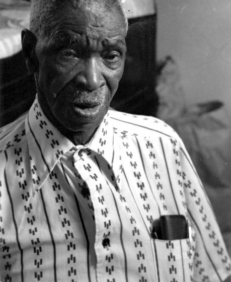 Dewey Williams, Ozark, Alabama, 1987, photograph by Melissa Springer, courtesy Alabama Council on the Arts