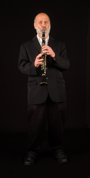 Clarinetist and mandolin player Andy Statman pushes the boundaries of traditional music in such diverse genres as klezmer and bluegrass. Washington, D.C., 2012, photograph by Alan Govenar