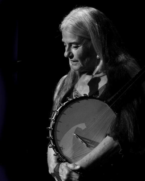 Sheila Kay Adams performing at the 2013 National Heritage Fellowship Concert, Washington, D.C., photograph by Michael G. Stewart