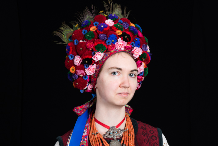 Katherine models Vera Nakonechny's costume, Washington, D.C., 2014, photograph by Alan Govenar
