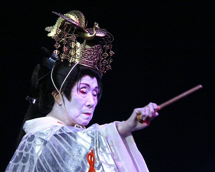 Gertrude Yukie Tsutsumi performing at the 2015 National Heritage Fellowship Concert, Washington, D.C., photograph Michael G. Stewart.