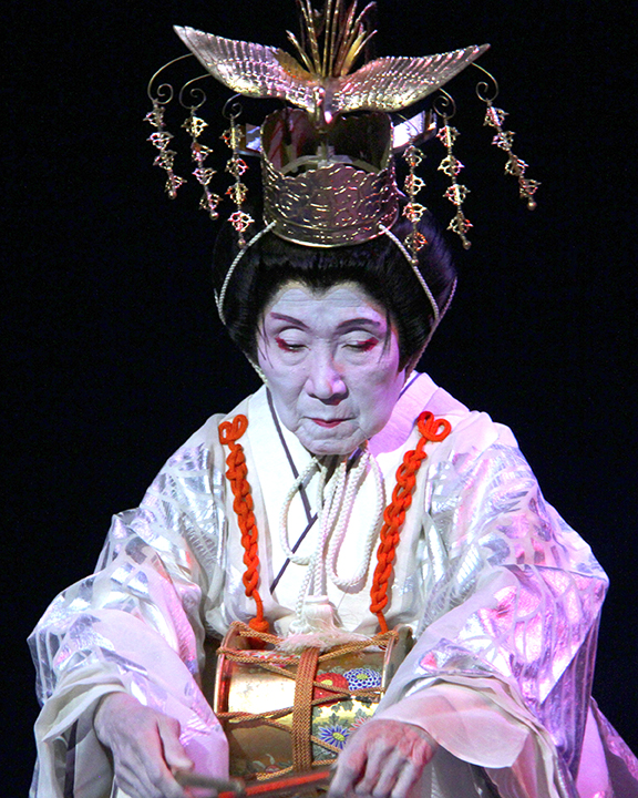 Gertrude Yukie Tsutsumi performing in full costume at the 2015 National Heritage Fellowship Concert, Washington, D.C., photograph Michael G. Stewart.