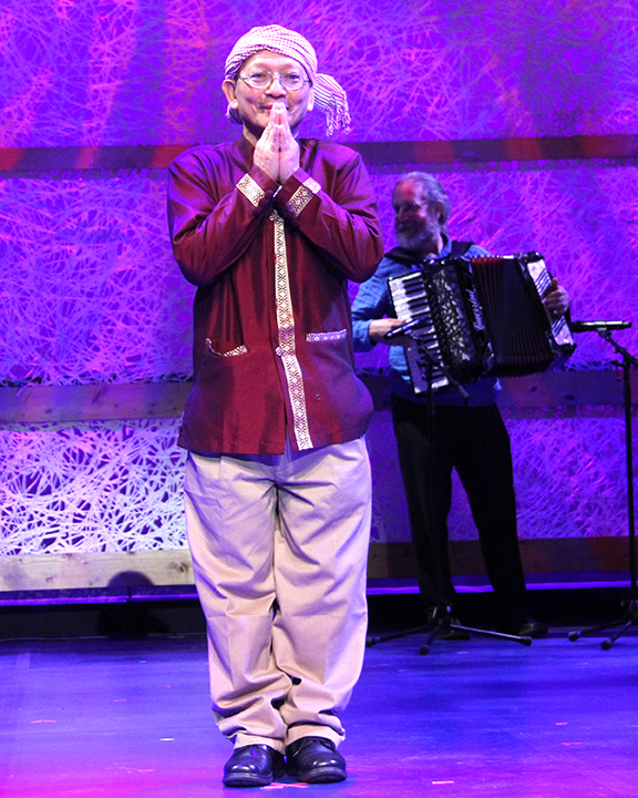Yary Livan at the 2015 National Heritage Fellowship Concert, Washington, D.C., photograph by Michael G. Stewart.