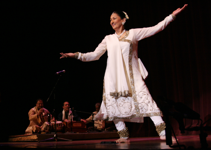 Anjani Ambegaokar, 2004 National Heritage Fellowship Concert, Washington, D.C., photograph by Michael G. Stewart, courtesy National Endowment for the Arts