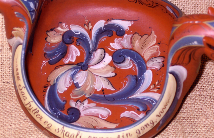 Eldrid Arntzen, dragon ale bowl painted in the Telemark style (detail), courtesy Eldrid Arntzen