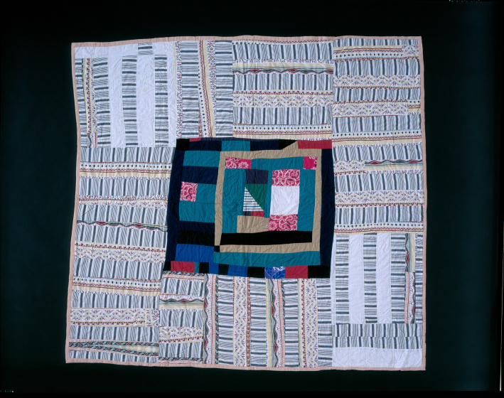 Laverne Brackens, 'Dark Medallion, Light Borders Quilt,' photograph by Eli Leon, courtesy National Endowment for the Arts