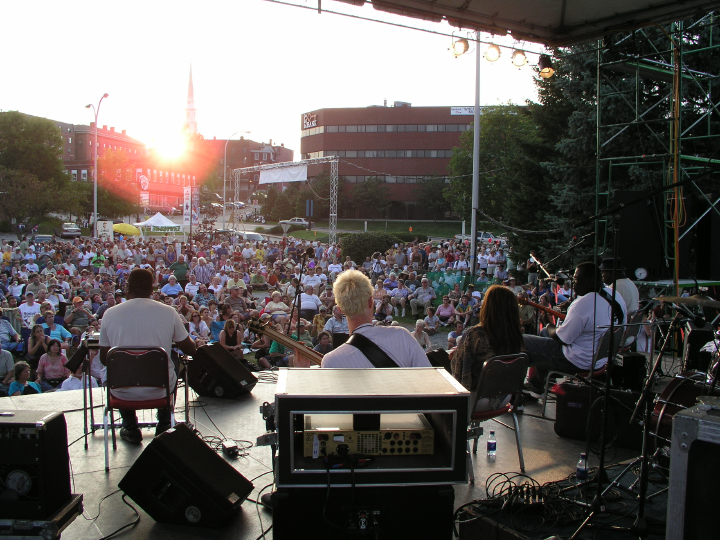 Chuck Campbell (left), National Folk Festival, 2004, Bangor, Maine, photograph by Barry Bergey