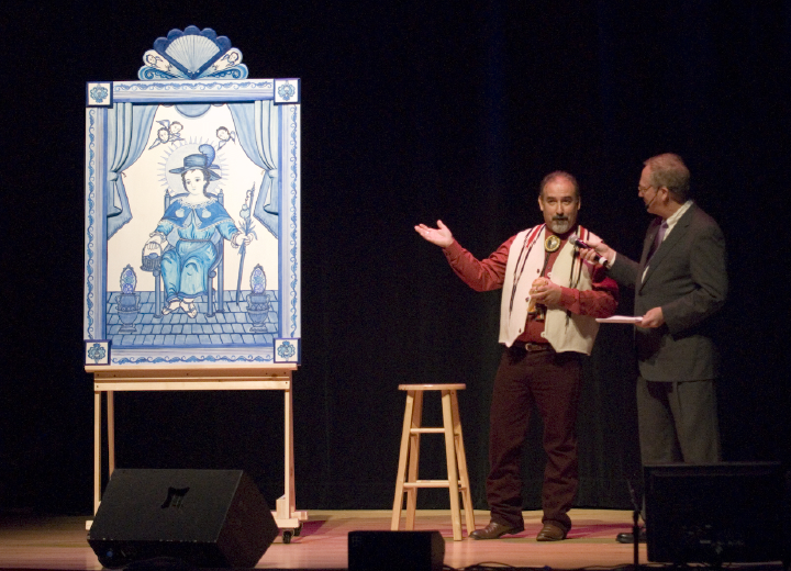 Charles Carrillo explains his retablo to Nicholas R. Spitzer, 2006 National Heritage Fellowship Concert, Strathmore Music Center, Bethesda, Maryland, photograph by Alan Hatchett
