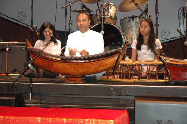 Chum Ngek, 2004 National Heritage Fellowship Concert, Washington, D.C., courtesy National Endowment for the Arts