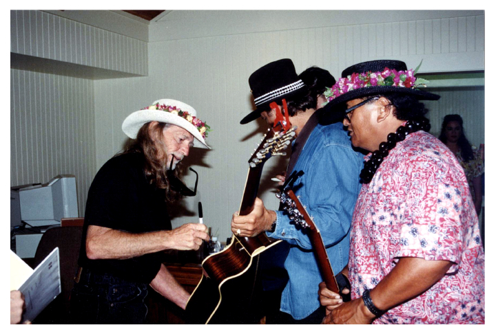 Ledward Kaapana and Willie Nelson, Maui, Hawaii, 2005, courtesy Ledward Kaapana