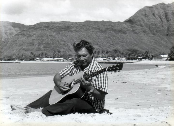 Raymond Kane, Poka'i Bay, Waianae, Hawaii, 1976, courtesy Raymond Kane