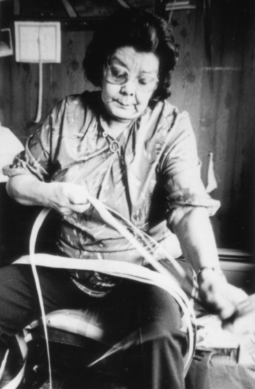 Clara Neptune Keezer making a basket, courtesy National Endowment for the Arts