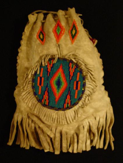 Handbag by Agnes 'Oshanee' Kenmille, Arlington, Virginia, 2003, photograph by Alan Govenar