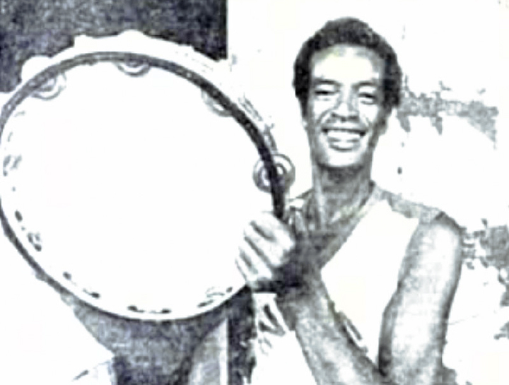 Carlinhos Pandeiro de Ouro with the biggest *pandeiro* in the world, Brazil, 1967, courtesy Carlinhos Pandeiro de Ouro