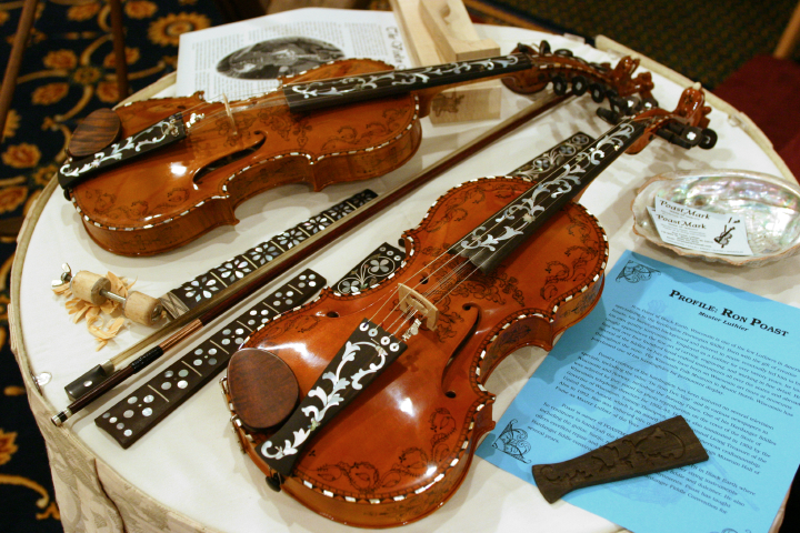 Hardanger fiddles by Ron Poast, 2003 National Heritage Fellowship Concert, Arlington, Virginia, photograph by Jim Saah, courtesy National Endowment for the Arts