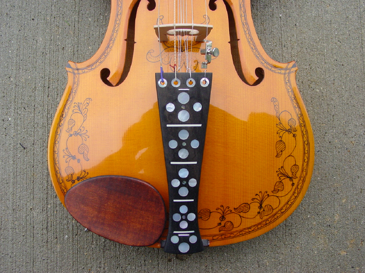 Hardanger fiddle (detail) made by Ron Poast, courtesy Ron Poast
