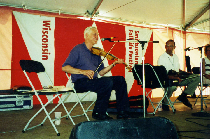Ron Poast performing at the Smithsonian Folklife Festival, 1998, courtesy Ron Poast