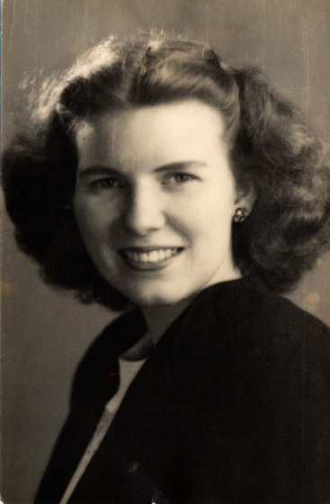 In her junior year, Jean Ritchie transferred from Cumberland Junior College to the University of Kentucky at Lexington. She graduated in 1946 with a bachelor of arts in social work and a Phi Beta Kappa key. Courtesy Jean Ritchie and George Pickow