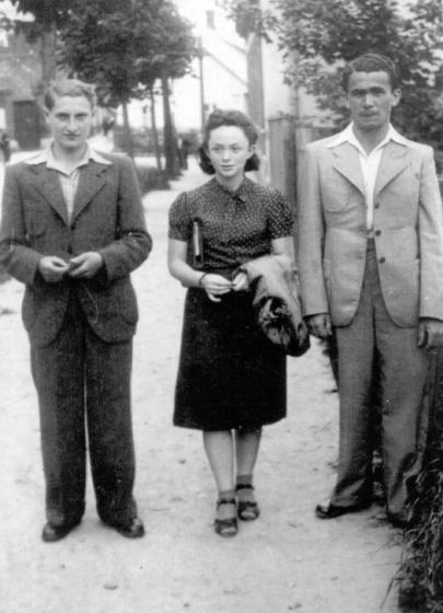 Beyle Schaechter-Gottesman, Chernovitz, Ukraine, 1936, courtesy Itzik Gottesman