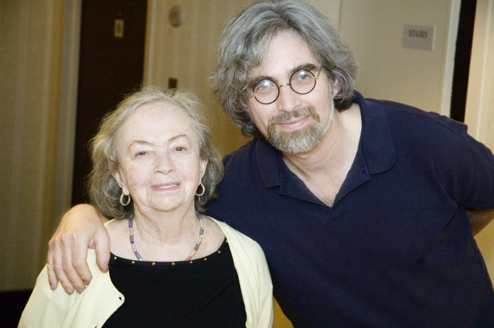 Beyle Schaechter-Gottesman and her son, Itzik Gottesman, Arlington, Virginia, 2005, photograph by Alan Govenar