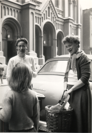 Nancy Sweezy (left) with Sybil May and daughter Lybess Sweezy in Manhattan, New York, May, 1955, courtesy Nancy Sweezy