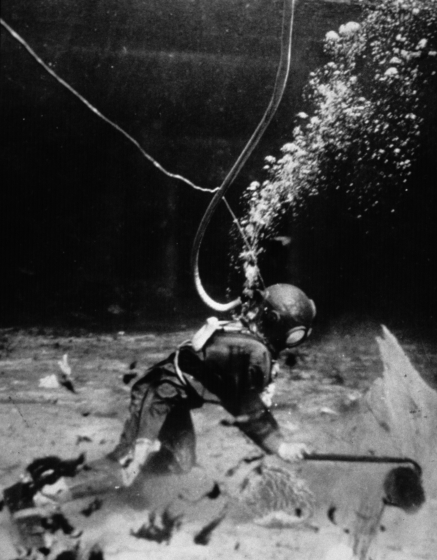 Historical photo of sponge diver harvesting sponges, ca. 1954, courtesy Florida State Archives